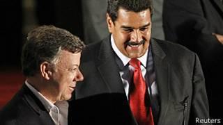 Juan Manuel Santos, presidente de Colombia, y Nicolás Maduro, presidente de Venezuela