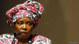 Dlamini-Zuma yavuze ko amategeko ategerezwa kwubahirizwa.