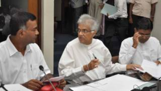 Tissa Attanayake (L) with UNP leader