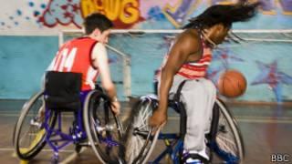 Crianças com deficiência / BBC