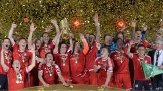 Bayern Munich ăn mừng
