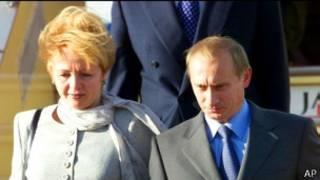 Владимир и Людмила Путины в токийском аэропорту, сентябрь 2000 г.