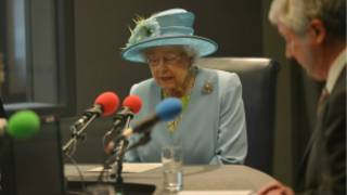 The queen visits nbh