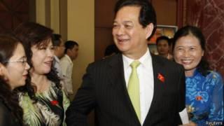 Thủ tướng Nguyễn Tấn Dũng và một số đại biểu