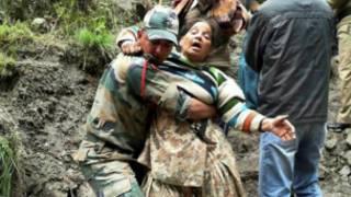 உத்தராகண்ட் மலைப் பிரதேசங்களில் 40 ஆயிரம் பேர் சிக்கியுள்ளனர்