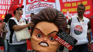 Sindicalistas protestam contra governo / AP