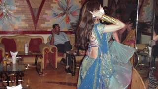 मुंबई की एक बार डांसर
