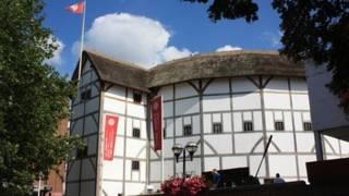 莎士比亞環球劇場於1997年開幕,同1599年所建最初始的環球劇院,相隔僅幾步之遙。
