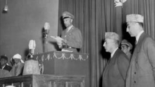 پخواني پاچا محمد ظاهر شاه د ۱۹۵۵ اکتوبر پر ۲۱ مه د لویې جرګې پرانیستنې پرمهال وینا کوي.
