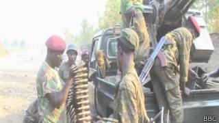 Militares do Exército do Congo se reabastecem de munição