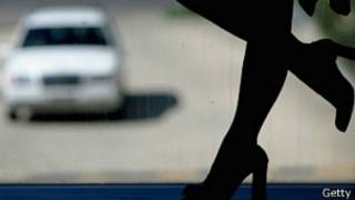 Phụ nữ hành nghề mại dâm