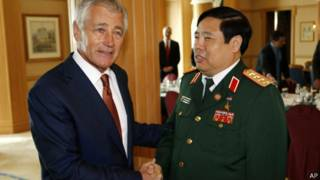 Bộ trưởng Chuck Hagel và Phùng Quang Thanh ở Brunei tháng 8/2013