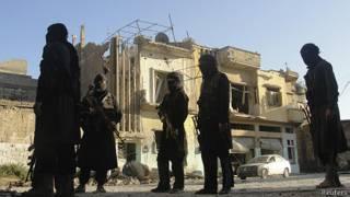 Guerreiros da Frente al-Nusra (foto: Reuters)