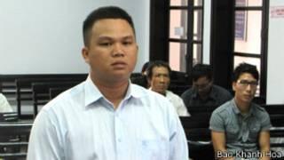 Ông Nguyễn Trọng Hiếu tại tòa (ảnh của báo Khánh Hòa)