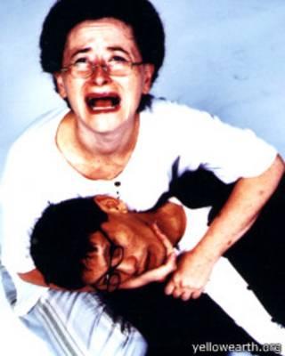 Kịch Hồn Trương Ba da hàng thịt được diễn ở London hồi năm 2001