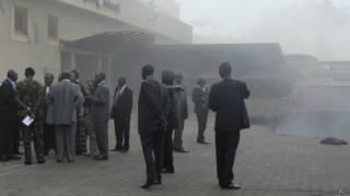 Представители властей прибыли в центр