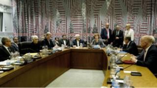 Los miembros permanentes del Consejo de Seguridad con el canciller iraní