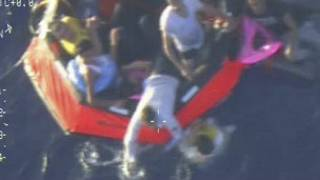 Mashua ya Malta ikiokoa wakimbizi nje ya Lampedusa