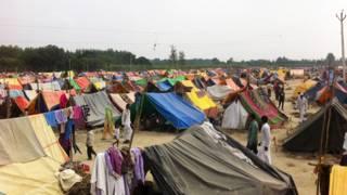 बहुत से दंगा पीड़ित अब भी शिविरों में रह रहे हैं