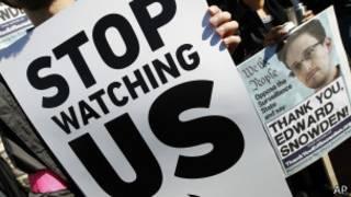 americans protest against NSA surveillance