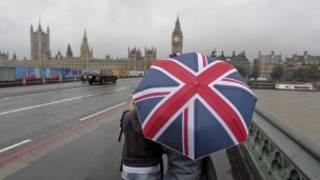 英國的秋冬,4點就天黑的日子,黑夜漫長,陰雨綿綿