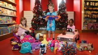 बच्चे और खिलौने