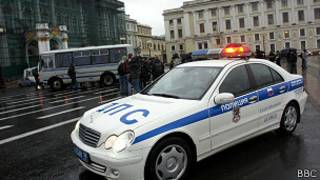 полицейская машина в Петербурге