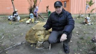 Tibor Marko y su zoo de animales de felpa