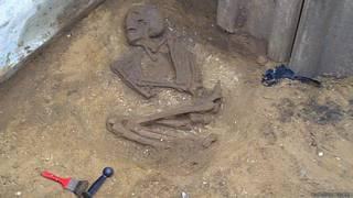 Esqueleto encontrado em fossa de esgoto (Foto: Yorkshire Water)