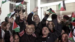 इसरायल द्वारा रिहा फलस्तीनी क़ैदी