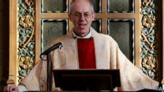 رئيس أساقفة كانتربري جاستن ويلبي يشيد بالبابا فرانسيس ويقول إنه يستحق شخصية العام.