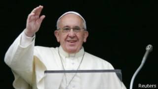 Papa Francisco durante el rezo del Ángelus