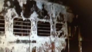 Vagon quemado en India