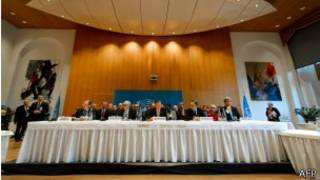 Mesa de apertura de Ginebra II