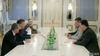 Украинской оппозиции советуют не заводить президента в тупик