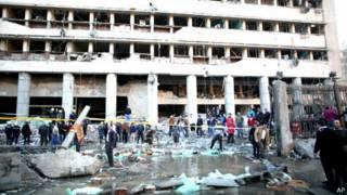 Nổ lớn bên ngoài trụ sở cảnh sát Cairo