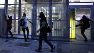 Atos de depredação em protesto em São Paulo em janeiro (Reuters)