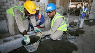 कतर में अप्रवासी मजदूरों की मुश्किलें