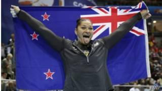 新西蘭運動員與國旗