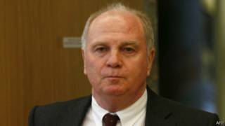 أولي هونيس يصل للمحكمة في ميونيخ لسماع النطق بالحكم في 13 مارس 2014