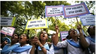 Protestas en India por la violación de una joven en un autobús en 2012