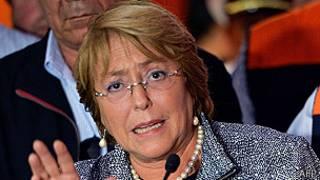Michelle Bachelet en Arica después del terremoto