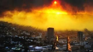 الحريق يمتد إلى المدينة