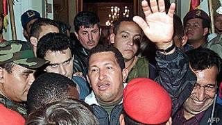 Hugo Chávez en 2002