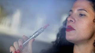 ई-सिगरेट का इस्तेमाल