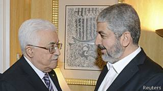 Mahmoud Abbas y Khaled Meshaal