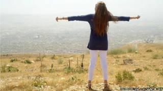 Iraniana em foto sem véu. Foto: Facebook