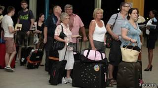 Turistas británicos abandonan Kenia