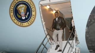 Obama chega a Afeganistão | Crédito: Reuters