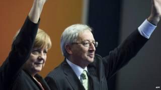 Merkel (izq) y Juncker